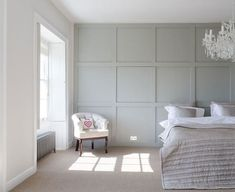 20 tips will help you improve the environment in your bedroom. Modern Wall Paneling, White Wall Paneling, Home Bedroom, Home Living Room, Bedroom Wall, Architect Design House, Wainscoting Bedroom, Cladding Panels, Guest Bedrooms