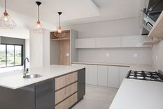 1058 on Schapejacht - Crontech Consulting Building Architecture, Interior Architecture, Grey Kitchen Interior, Central Island, Timber Wood, Table Seating, Country Estate, Counter Top, Granite Countertops