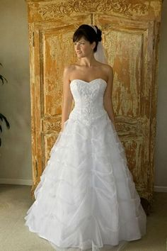 A-line/Princess Strapless Chapel Train organza wedding dress for brides style(WDA0131) - $235.75 : Cheap wedding dresses