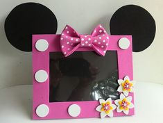 Minnie Minnie Birthday, Minnie Mouse Party, Mouse Parties, Foam Crafts, Diy Arts And Crafts, Crafts For Kids, Diy Crafts, Picture Frame Crafts, Picture Frames