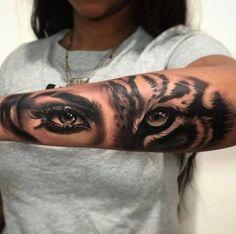 Tattoo ideen unterarm Half ladies, half tiger tattoo accomplished by Chris Carter in Maryland Tigeraugen Tattoo, Hand Tattoos, Body Art Tattoos, Badass Tattoos, Tiny Tattoo, Tattoo Flash, Mandala Tattoo, Dope Tattoos For Women, Tattoos For Women Half Sleeve
