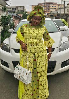 Enregistré pour vous par Romance T African Blouses, African Lace Dresses, African Dresses For Women, African Attire, African Wear, African Style, African Fashion Ankara, Ghanaian Fashion, Royal Blue Lace Dress