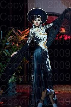 Vietnam Miss Universe 2009 National Costume Vietnamese Traditional Dress, Traditional Dresses, Miss Universe 2009, Miss Universe National Costume, Miss Usa, Beauty Pageant, Cheongsam, Ao Dai, Goth
