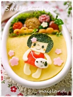 girl having snoopy bag bento