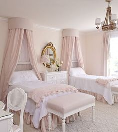 Perfect for the girls! Canopy bed princess