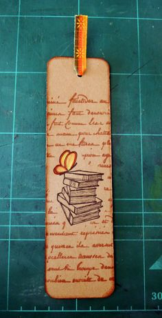 Scrapejant: PUNTS DE LLIBRE Student Bookmarks, Paper Bookmarks, Book Crafts, Paper Crafts, Homemade Bookmarks, Bookmark Craft, Book Markers, Pocket Letters, Book Projects
