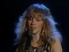 Stevie, looking ohh-so beautiful sings her song 'Leather And Lace, 1981 ~ ♪♫☆❤☆♫♪ ~ https://youtu.be/wjOkZUEeKc4