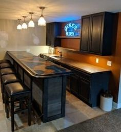 Chicago bar rail molding and copper bar top! Home Bar Plans, Basement Bar Plans, Basement Bar Designs, Home Bar Designs, Basement Ideas, Basement Layout, Basement Bars, Basement House, Garage Ideas