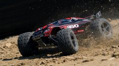 E-Revo: 1/10 Scale 4WD Electric Racing Monster Truck with TQi Traxxas Link Enabled 2.4GHz Radio System | Traxxas