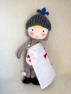 muñeco de trapo: caballero medieval  tela algodón y/o lino,fieltro 50% de lana,guata cosido,pintado a mano