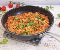 Meggyes-grízes máktorta Recept képpel - Mindmegette.hu - Receptek Frittata, Spagetti, Bacon, Nap, Ethnic Recipes, Food, Essen, Meals, Yemek