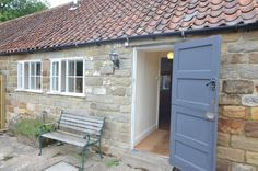 Pet Friendly Self Catering Holiday Accommodation in England. Pet Friendly Holidays, Pet Friendly Hotels, Holiday Accommodation, North Yorkshire, Staycation, Holiday Destinations, Campsite, Bed And Breakfast, Small Dogs