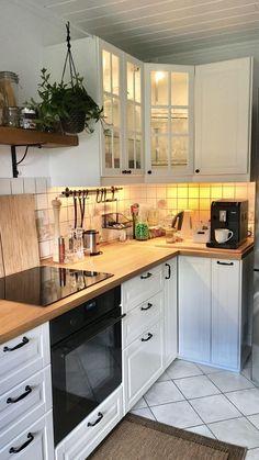 Küche ideen Kitchen IKEA - ssw - # kitchen Moreover the mementos you introduced from hous Kitchen Ikea, Home Decor Kitchen, Kitchen Interior, Home Kitchens, Small Kitchens, Ikea Kitchens, Country Kitchens, Kitchen Small, Wooden Kitchen