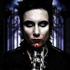 Brian Haner (synyster gates) of avenged sevenfold  I've never seen this before so I had to!