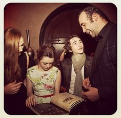 Sophie Turner, Maisie Williams, Isaac Hempstead-Wright and Rory McCann at the season three premiere (from HBO's Instagra Game Of Thrones Premiere, Arte Game Of Thrones, Game Of Thrones Cast, Game Of Thrones Dragons, Stark Children, Ramsey Bolton, Stark Family, Isaac Hempstead Wright, Rory Mccann
