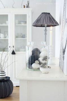 Feestdagen | Paas decoratie inspiratie in zwart wit • Stijlvol Styling - WoonblogStijlvol Styling – Woonblog