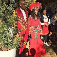 Zulu traditional wedding dresses for new year 2019 Zulu Traditional Wedding Dresses, Zulu Traditional Attire, African Traditional Dresses, Traditional Outfits, Traditional Weddings, Modern Traditional, African Attire, African Wear, African Fashion Dresses