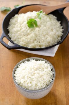 How to make cauliflower rice - this simple trick makes it perfect! Stock your freezer with an easy, healthy, 5-minute low carb side dish you can sub for rice in just about anything. #cauliflowerrice #lowcarbrecipes #ketorecipes #paleorecipe #whole30recipes #easymeals #cookeatpaleo