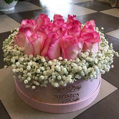 Εντυπωσίασε με κομψές ανθοσυνθέσεις σε κουτιά & καπελιέρες από το Les Fleuristes! #flowersinabox #ανθοσύνθεση #λουλούδια #ανθοπωλείο #lesfleuristes #διακόσμηση #δώρο Flower Boxes, Flowers, Crown, Window Boxes, Corona, Florals, Crowns, Flower, Flower Containers