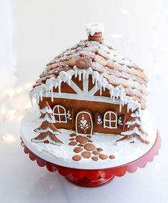 Cobblestones Gingerbread House   Charmingly Cute Gingerbread House Ideas