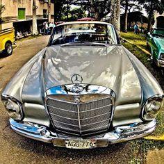 Mercedes 280CE, en Los Dos Caminos