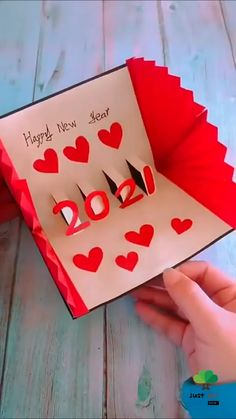 Diy Crafts For Girls, Diy Crafts Hacks, Diy Home Crafts, Diy Arts And Crafts, Cute Crafts, Paper Crafts Origami, Easy Paper Crafts, Diy Cards Video, Card Decoration Ideas