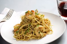 Spaghetti With Shrimp and Pesto