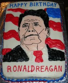 An odd Happy bday to Ronald Reagan Cake. Not to bad if it were a first timer. Happy Birthday Mom, Birthday Cards, Cake Pictures, Funny Pictures, Bad Fan Art, Ugly Cakes, Weird News, Daily Funny, Cake Art