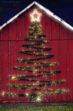 Welcome the festive season of Christmas with beautiful Christmas Outdoor Decor Ideas. From gleaming Christmas lights to outdoor Christmas trees & more. Decoration Christmas, Noel Christmas, Winter Christmas, Christmas Crafts, Simple Christmas, Christmas Tree On Wall, Garage Door Christmas Decorations, Christmas Porch, Vintage Christmas