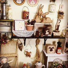 Olá Artista...Que planeja arquiteta cria constrói desmancha decora embala ambienta faz contatos caucula o preço faz feiras bazares compartilha conhecimento e as vezes também dão aulas! Fora isso cuidam  de suas famílias!  TENHA ORGULHO DA SUA  PROFISSÃO! FELIZ DIA DO ARTESÃO! #pinturacountry #decoration #feitopormim #madeira #patchwork