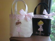 33 ideas for big dancing bag Ballet Bag, Ballet Dancers, Toddler Ballet, Diy Sac, Diy Tote Bag, Tutus For Girls, How To Make Notes, Kids Bags, Embroidery Applique