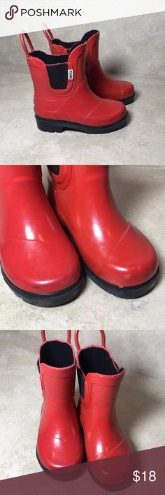Kids red toms rainboots 6 Some marks but good preowned condition 106 Toms Shoes Rain & Snow Boots
