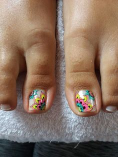 Pedicure Designs Beach Style 65 Ideas For 2019 Shellac Pedicure, French Pedicure, Pedicure Designs, Toe Nail Designs, Nail Polish Designs, Manicure And Pedicure, Wedding Pedicure, Summer Toe Nails, Feet Nails