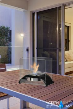 Tabletop Fireplace - A Collection by Sam - Favorave Tabletop Fireplaces, Ethanol Fireplace, Diy Fireplace, Outdoor Events, Outdoor Decor, Black Table, Modern Table, Black Decor, Cozy House