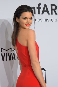 Feb. 11, 2015, amfAR New York Gala: Like any classic catwalker, Kendall can give the Old Hollywood-glam red lip a modern feel with runway-inspired, slicked-back hair.