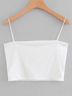 10 All-White Outfits You'll Want To Get On Board With This Summer - UK - - All-white outfits will having you just dying to try this super summery combo. Take a look at these white looks for some instant fashion inspiration! Crop Top Outfits, Cute Casual Outfits, All White Outfit, White Outfits, Vetement Fashion, Cute Clothes For Women, Cute Crop Tops, Teen Crop Tops, Black Crop Tops