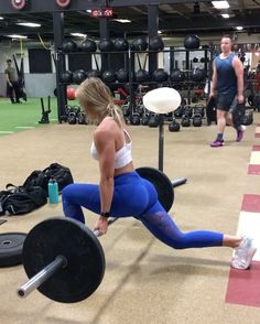 """24.8k Likes, 627 Comments - Whitney Simmons (@whitneyysimmons) on Instagram: """"We back fam 👊🏼 leg tri-set to get the quads, glutes and hammies FIRED UP 1️⃣ 8 elevated reverse…"""""""