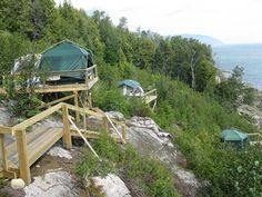 Camping and whale watching on the beach! Camping Quebec, Canada, Destination Soleil, Camping Places, Beach Camping, Bon Plan Voyage, Charlevoix, Destinations, Whale Watching