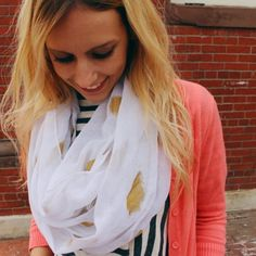 No sew tutorial for making gold foil infinity scarves!