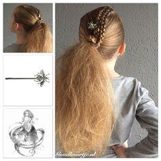 Two dutch braids into a extremely messy ponytail with a bobbypin from Goudhaartje.nl  #dutchbraid #braid #braids #hair #hairstyle #hairideas #hairinspiration #ponytail #coolhair #longhair #hairaccessories #hairstylesforgirls #awesomehair #staart #haar #haarstijl #vlecht #vlechten #haaraccessoires #opvlecht #goudhaartje #braidinspo #hairtrend #trenza #hairinspo #braidtrend #hairfeed