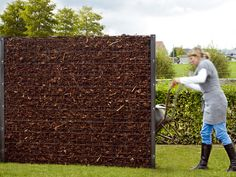 alternative to rubble or loose stone wall... this looks like mulch