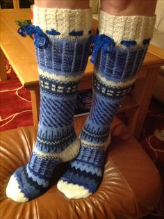 Anelmaiset Knit Socks, Knitting Socks, Leg Warmers, Mittens, Gloves, Wool, Pattern, Projects, Accessories