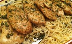 For dinner this week, make Giada De Laurentiis' famous Chicken Piccata recipe, a comforting Italian classic made with lemon, butter and capers. Turkey Dishes, Turkey Recipes, Chicken Recipes, Chicken Picata Recipe, Giada Recipes, Cooking Recipes, Healthy Recipes, Delicious Recipes, Giada De Laurentiis