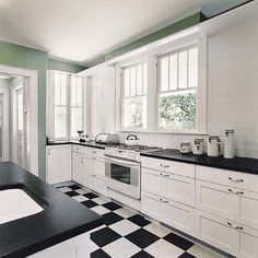 Craftsman kitchen gets a crisp, clean 1920s-style redo. | Photo: Gene Pollux | thisoldhouse.com