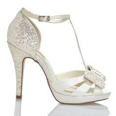 Zapato de novia en satín y glitter con lazo de Menbur (ref. 5981) Satin and glitter bridal shoes T bar shape by Menbur (ref. 5981)