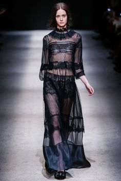 Alberta Ferretti Fall 2015 Ready-to-Wear - Collection - Gallery - Style.com **Large verigated stripe on front chest. NWU??**