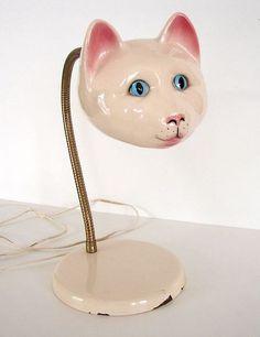 Vintage Gooseneck Ceramic Cat Head Lamp - this is so kitsch i love it Kitsch, Cat Lamp, Vintage Cat, Creepy Vintage, Vintage Ceramic, Retro Vintage, Décor Antique, I Love Lamp, Retro Home Decor