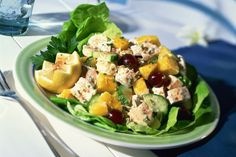 This turkey salad is a flavorful mixture of grapes, turkey, and almonds with a tasty mayonnaise dressing. The salad is served on pineapple rings. Turkey Salad Recipe With Grapes, Chicken Salad With Grapes, Fresh Turkey, Sliced Turkey, Lunch Recipes, Salad Recipes, Grape Recipes, Salad Dishes, Dinner Salads