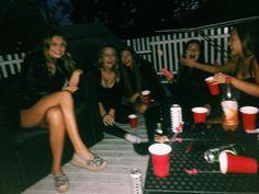 Картинка с тегом «girl, party, and friends»