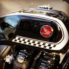 Honda CB1100 2016 Tank detail Honda Cb1100, Engineering Works, Motorcycle Engine, Cool Bikes, Cars And Motorcycles, Wheels, Detail, History, Art